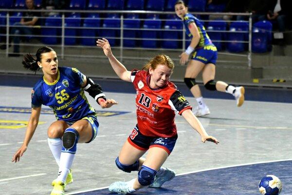 Vľavo hráčka Iuventy Michalovce Tatiana Trehubová.