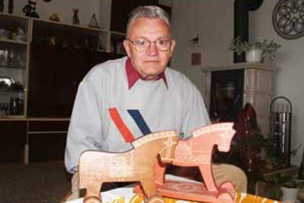 Odchodom Rudolfa Stehlíka región  stratil posledného výrobcu kyjatických hračiek.