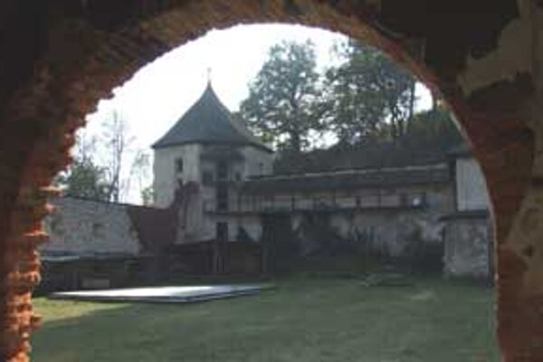 Obnovený kaštieľ by mal do Divína prilákať viac turistov.