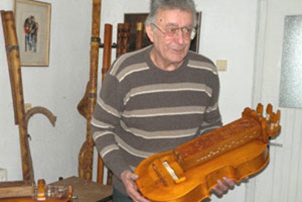 Kobliček dokáže vyrobiť asi 20 hudobných nástrojov, sú to napríklad fujary, gajdy, gajdice, husličky, basičky, píšťalky, palice, drumble, rohy, trúby, rapkáče, trombity a ninery.