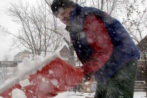 Počas sviatkov nebola v Lučenci o snehovú nádielku núdza.