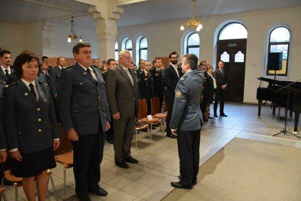 V nitrianskej synagóge vstredu 22. mája ocenili prácu príslušníkov Krajského riaditeľstva Hasičského azáchranného zboru vNitre.