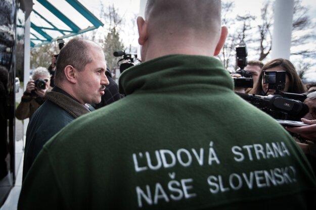 Predseda strany ĽS NS Marian Kotleba po diskusii v televízii Markíza 6. marca 2016.