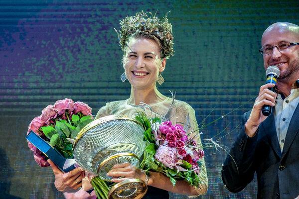 Anastasia Kuzminová počas galavečera, na ktorom si prevzala ocenenie Kráľovná biatlonovej stopy v Banskej Bystrici 31. mája 2019.