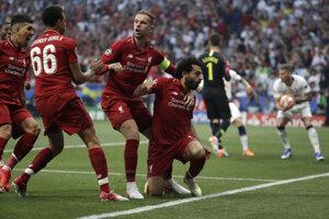 Radosť hráčov Liverpoolu po strelenom góle vo finále Ligy majstrov 2018/2019 Liverpool - Tottenham.