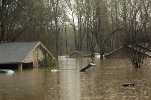 Juh USA trápia záplavy.