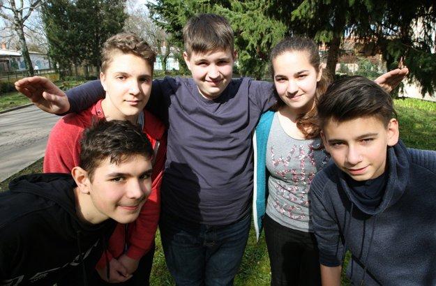 Zľava: Patrik, Kristián, Marian, Ivana a Dušan.