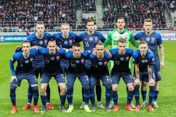 Hráči Slovenska pred zápasom o postup na Majstrovstvá Európy 2020 medzi Slovensko a Maďarskom.