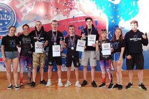 Spoločná fotka pretekárov z Victory Gymu Trenčín.