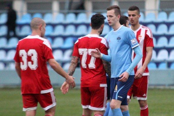 V belasom drese Filip Balaj, autor jediného gólu z Nitry. Penaltu premenil s prehľadom harcovníka.