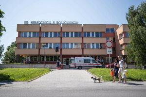 Nemocnica s poliklinikou vo Veľkom Krtíši.
