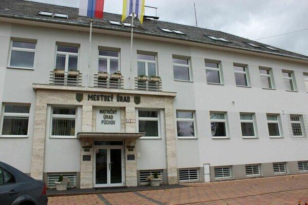 Sídlo mestského úradu v Púchove.