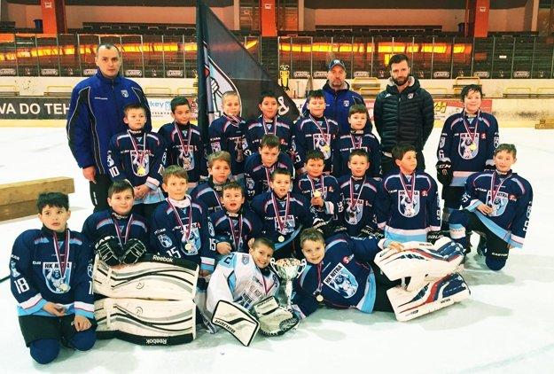 Tretiaci MMHK Nitra v nedeľu triumfovali na turnaji v Trnave.