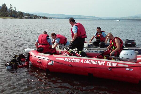 Nezvestného rybára hľadajú profesionáli aj dobrovoľníci z ORS.