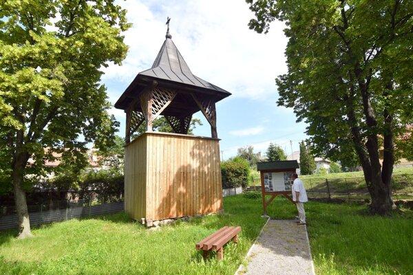 Zvonica v obci Dargov