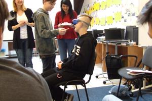 Trenčianke knihovníčky spestrili svoju súťažnú aktivitu pomôckami pre nevidiacich.