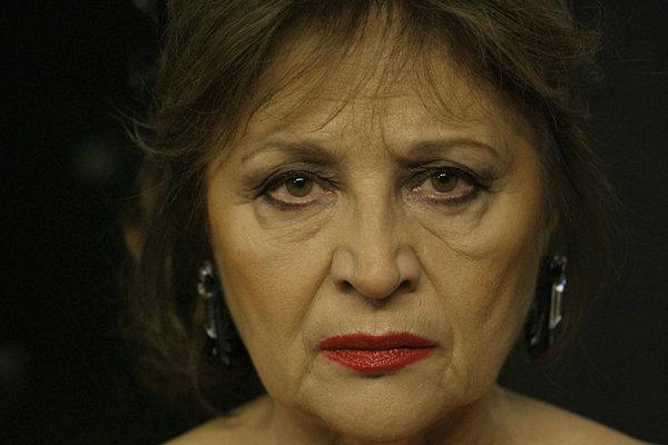 Emília Vášáryová ako Eva Nová režiséra Marka Škopa. Film má deväť nominácií na cenu Slnko v sieti.