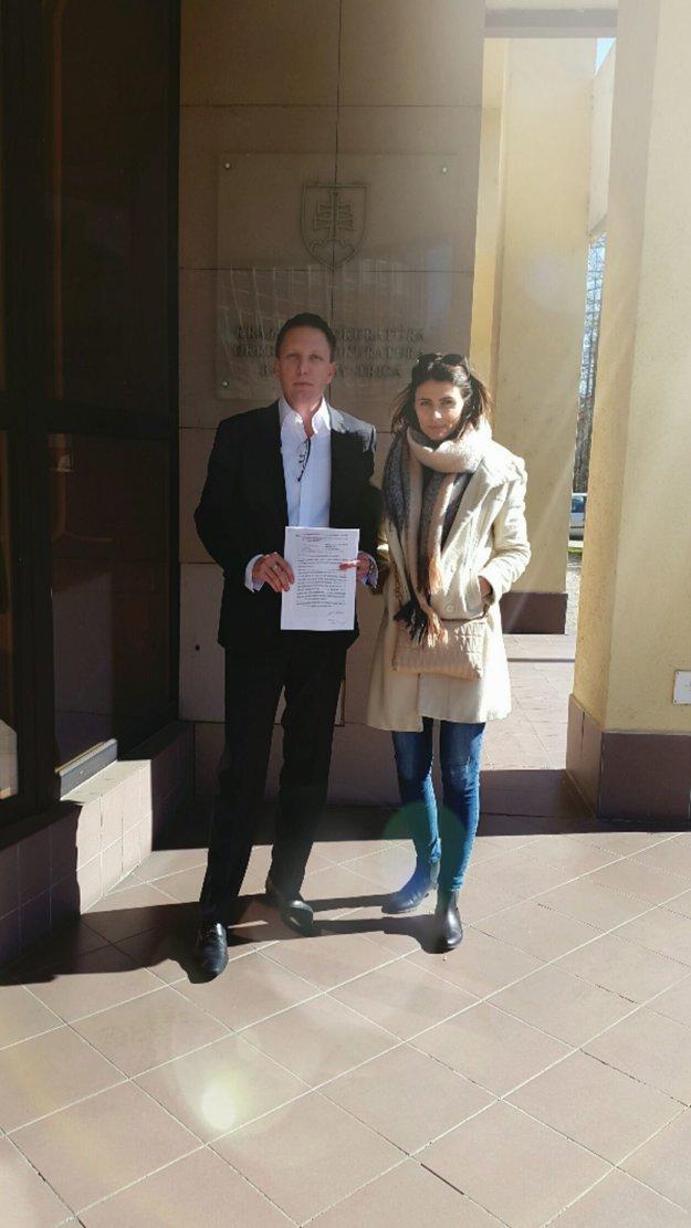 Viceprimátor Banskej Bystrice a Dominika Homolová dnes podali trestné oznámenie.