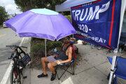Priaznivci Donalda Trump sa už zbiehajú na Floridu.