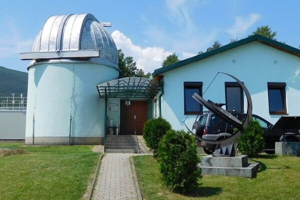 Astronomické observatórium na Kolonickom sedle.