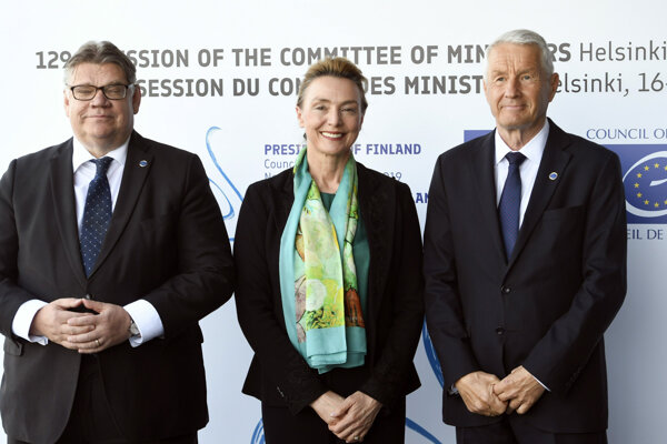 V strede chorvátska ministerka Marija Pejčinovičová Buričová.