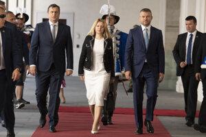 Zľava predseda parlamentu Andrej Danko, prezidentka Zuzana Čaputová a premiér Peter Pellegrini.