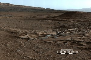 Snímky Marsu zo sondy Curiosity.