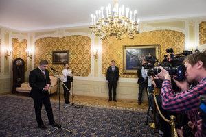 Robert Fico predstúpil pre novinárov.