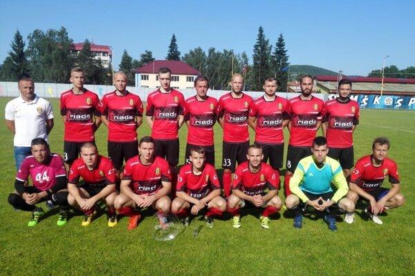 Tímová fotografia z turnaja v Medzilaborciach, kde Humenčania triumfovali.