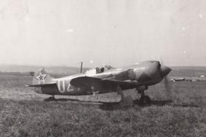 Stíhačka Lavočkin La-5FN 1. čsslp na pri štarte z letiska Tri Duby.