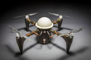 Dron CRANCUS je odolný voči korózii a pod hladinou vydrží až dva mesiace.
