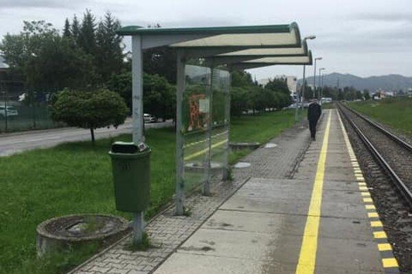 Vlaková zastávka Solinky.