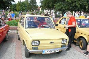 Milovníci starších aut na zraze v Turanoch.