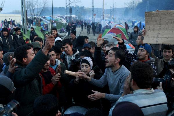 Grécko situáciu s utečencami nezvláda.