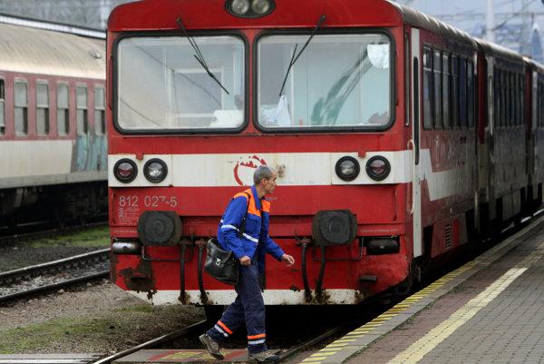 V budúcnosti by mali vlaky v Handlovej brať cestujúcich až z dvoch zastávok.