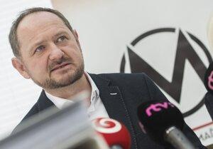 Líder Maďarského fóra a nzaradený poslanec NR SR Zsolt Simon