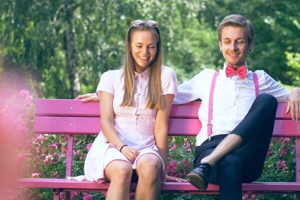 V novom klipe sa blysla aj hviezda slovenského seriálu.