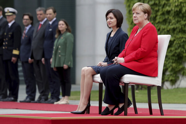 Nemecká kancelárka Angela Merkelová a moldavská premiérka Maia Sanduová.