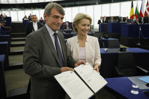 Novozvolená predsedníčka Európskej komisie (EK) Ursula von der Leyenová a predseda Európskeho parlamentu (EP) David Maria Sassoli.