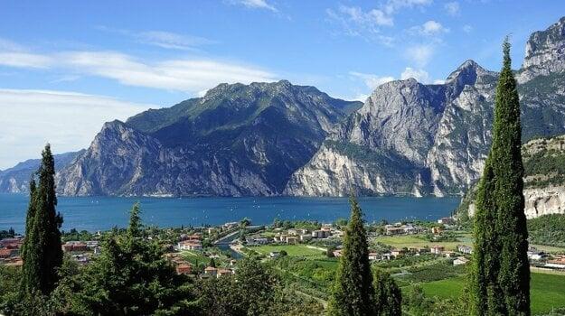 Jazero Lago di Garda.