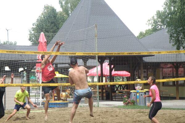 Záber z jedného zo zápasov skupinovej fázy.