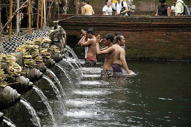 Mestečko Ubud na Bali je hlavné centrum jogy a meditácie v Indonézii.