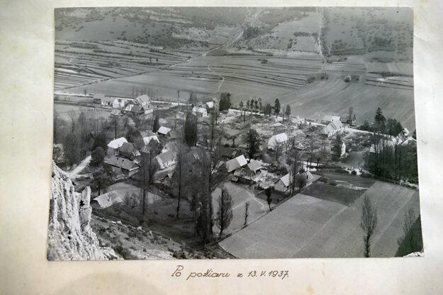 Archívna fotografia z roku 1937, zachytávajúca požiar vo Fačkove.