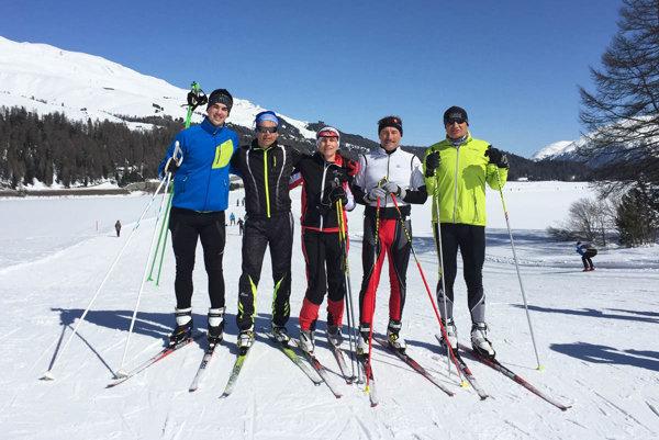 Vo švajčiarskom regióne Engadin - St. Moritz: zľava Michal Galko, Juraj Wachal, Katka Galková, Jozef Marko a Jozef Husárik.