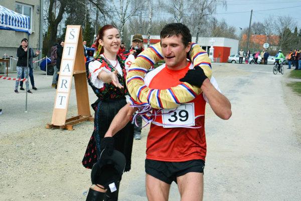 Imrich Magyar (pochádza z Bešeňova pri N. Zámkoch) si v Čiernych Kľačanoch zopakoval triumf spred dvoch rokov.