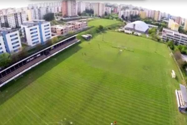 Záber na štadión ČFK z dronu.