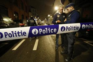 Polícia stráži v bruselskej štvrti Schaerbeek.