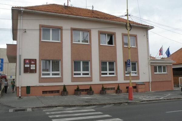 Bojnice sa chcú pustiť do obnovy mestského úradu.