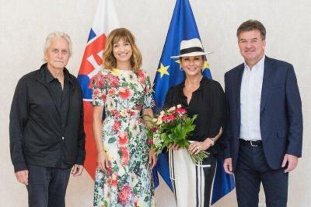 Michaela Douglasa s manželkou prijal minister Lajčák.