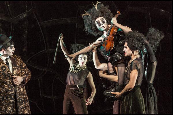 Operný hit Sternenhoch Národného divadla vPrahe.
